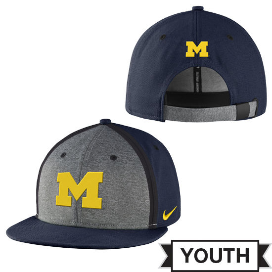 Nike University of Michigan Football Youth Sideline True Flat Brim Hat