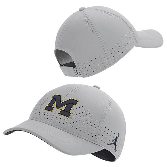 Jordan University of Michigan Football Flat Silver Legacy91 Sideline Slouch Hat