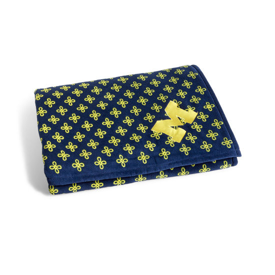 8f7d1ef2ecb76c Vera Bradley University of Michigan XL Fleece Throw Blanket. Product  Thumbnail