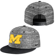 Nike University of Michigan Heathered Black True Flat Brim Snapback Hat