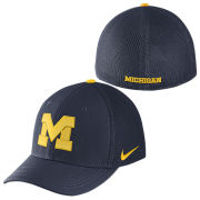 Nike University of Michigan Navy Meshback Aerobill Structured Swoosh Flex Fit Hat